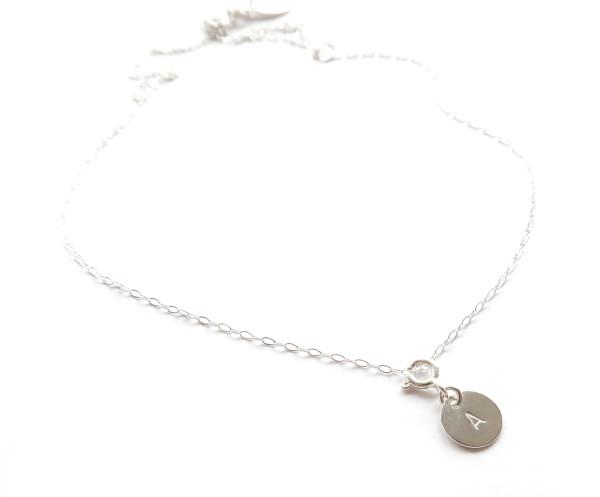 Namnsmycke rund silver 9mm med bokstav - halsband bild